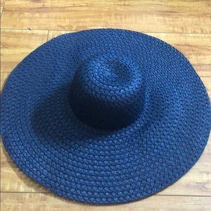Accessories - Blue floppy beach hat